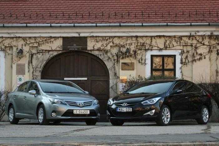 Mindkét modellhez nagyon jók a garanciális feltételek. A rengeteget autózóknak a Hyundaié még jobb, mert az 5 évhez nincs kilométerkorlát