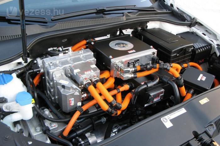 85 kW (115 LE) az elektromos motor teljesítménye
