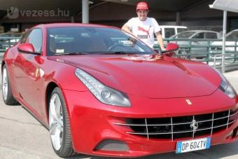 F1: Ferrarival hálálkodnak Alonsónak Malajziáért