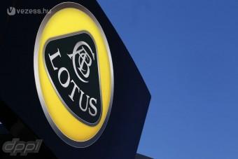 F1: A Lotusnál elszakadt a cérna