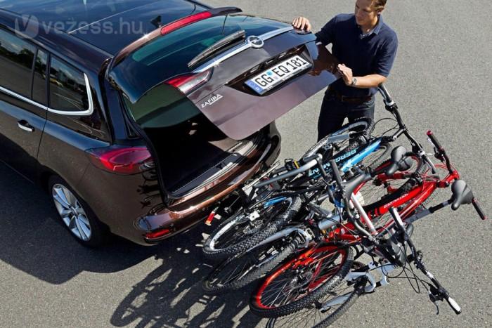 214 000 Ft a lökhárítóból előhúzható, kétbiciklis kerékpárszállító. Kiegészítőként kapható hozzá egy adapter, amivel négy bringát vihetünk. Egyedülállóan jó megoldás családoknak, ráadásul az egészet félre lehet billenteni, ha kell valami a csomagtartóból