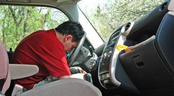 Álmosan vezetni olyan, mint ittasan