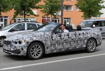 Lenyitotta tetejét a BMW 3-as