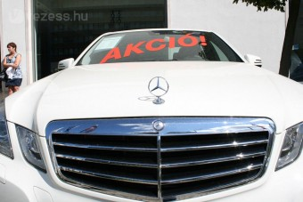 Gondok nyugaton a magyarországi autókkal
