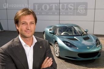 F1: Végleg kipenderítették a Lotus főnökét