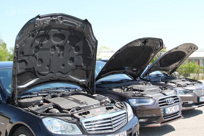 Kényelmesen szerelhető a C-osztály, a Mercedesnél hagyomány az óriásira nyíló motorházfedél