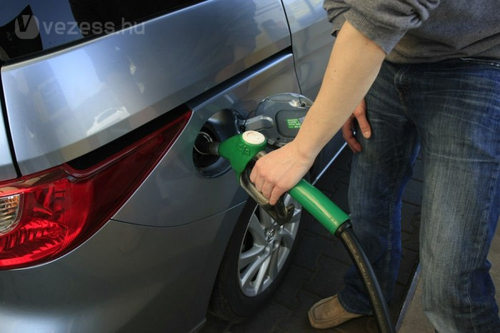 Kétmillió forintot érő részvényportfólió kialakításakor könnyű kifizetni jutalékként egy tank benzin árát