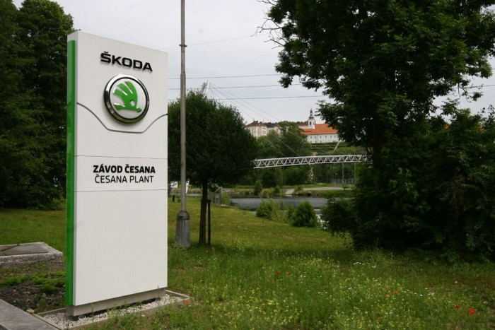 Škoda híd köti össze a gyár két részét