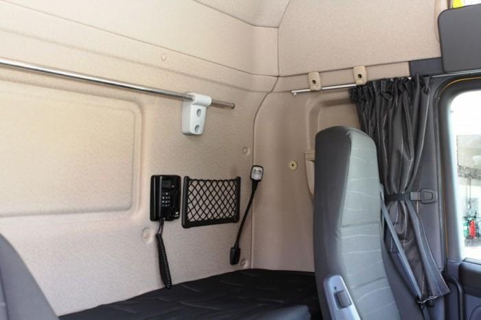 Ha mindig egyedül megy a járművezető, akkor egy ággyal tágasabb és kényelmesebb is a fülke