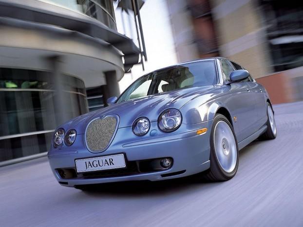 Az S-Type a modernkori Jaguar megmentője...lett volna, de gyerekbetegségei sokat ártottak a renoménak