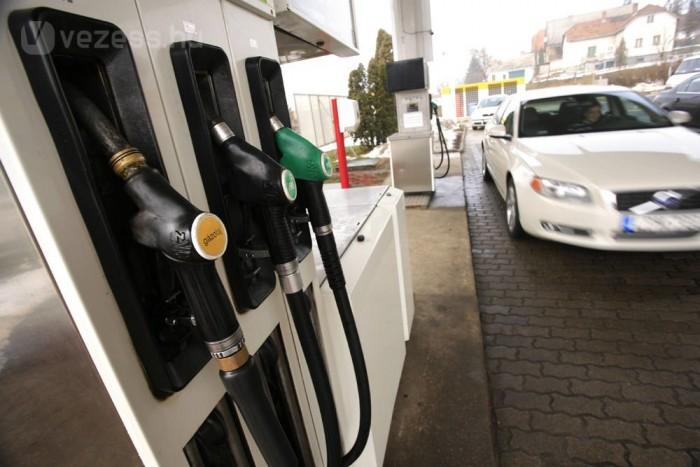 Százon 2-4 deci üzemanyagot takarít meg a csökkentett gördülési ellenállású abroncs