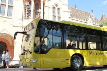 Hibrid Mercedes busz Kecskeméten