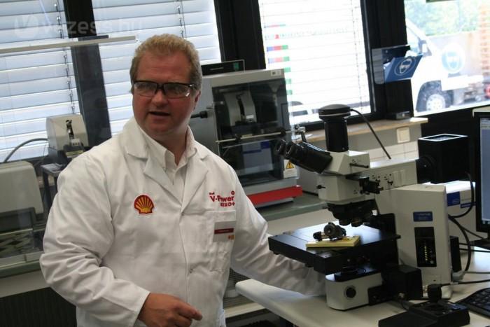 Andreas Brunner fejlesztőmérnök szerint a ralis üzemanyagnál a nagy teljesítmény a cél, sok olefinnel