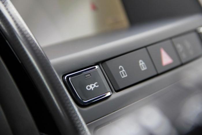 Ezt a gombot megnyomva találkozhatunk az autó igazi énjével