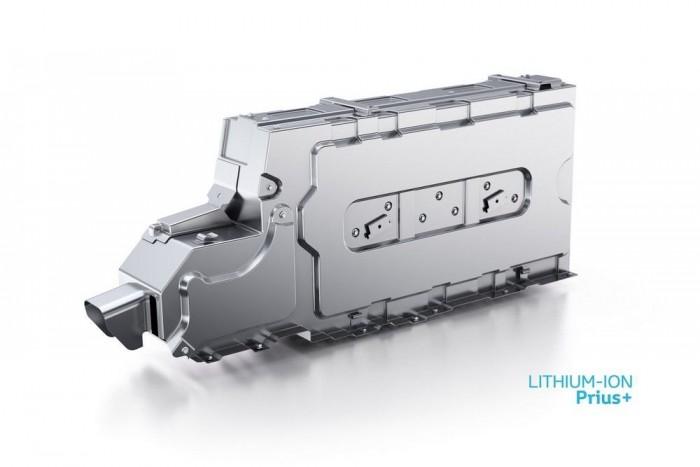Ez a lítium-ion akkumlátor kerül az első ülések közé