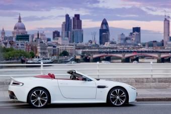 Brit elegancia V12-es technikával