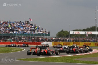 F1: Háború a pályán kívül