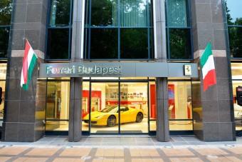 Új Ferrari szalon Budapesten