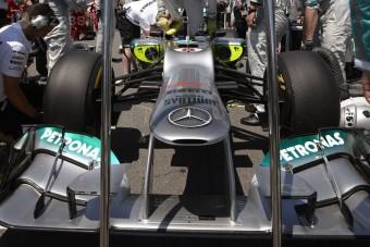 F1: A Mercedes-motor eszi a gumikat?