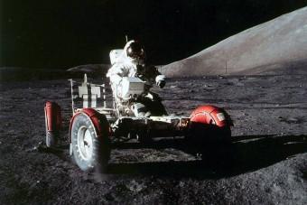 Mivel autózzunk a Földön kívül?