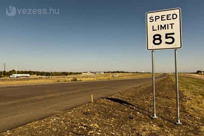 Mit kell tenni a sebességkorlátozás során