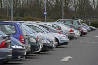 Bárcsak mindenki így tudna parkolni, zseniális, ahogy kivarázsolja a kocsit 1