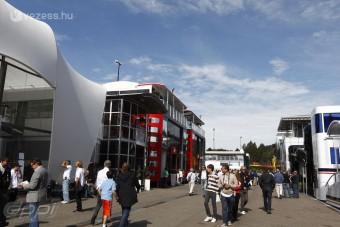 F1: A Red Bullt kihagyták a buliból