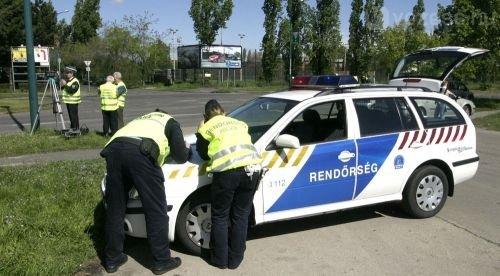 Több rendőr lesz az utak mellett, és a temetők környékén