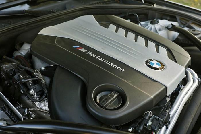3 literes, hathengeres: 381 LE, 740 Nm