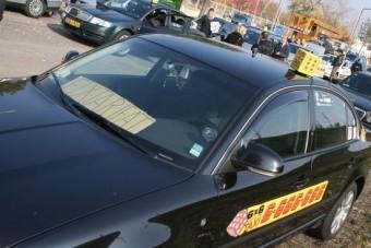 Kiakadtak a megalázott taxisok