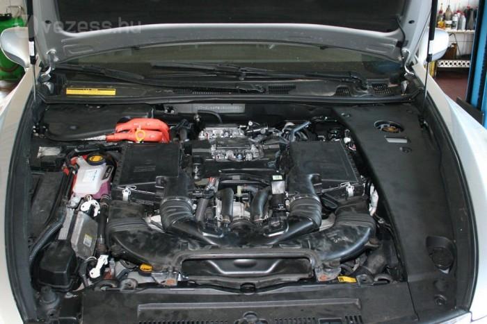 Ki kellett venni a motort a gyári állapot visszaállításához