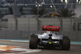F1: A McLarené az első tesztnap
