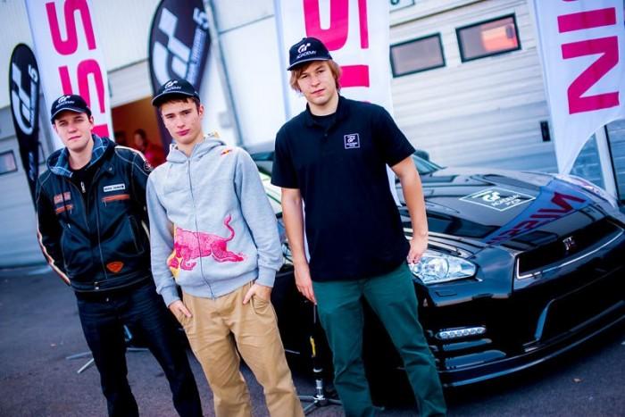 A három nyertes, a cseh és szlovák fiú mellett jobb oldalon Sinka Dániel a GT Academy leggyorsabb magyarja