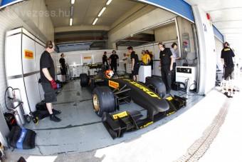 F1: A Pirelli nem tudta megfogni Schumit
