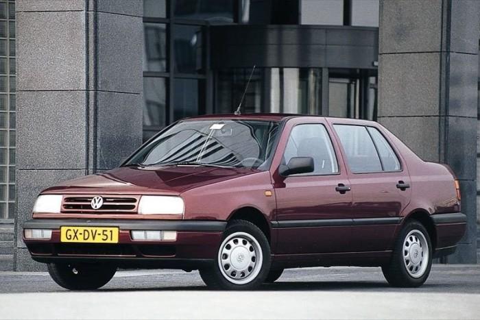 A Vento a VW márkajel miatt magas ársávban tanyázik képességeihez viszonyítva, csak négyajtós kivitelben készült