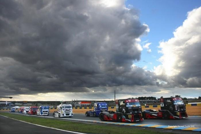 Mindössze 1000 ponttal lett első a csapatversenyben a Renault Trucks - MKR Technology