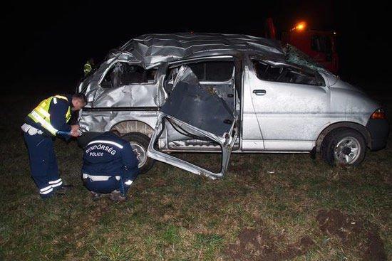 El akarta kerülni az ütközést a sofőr a ruzsai balesetben. Fotó: MTI