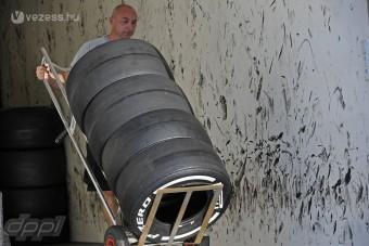 F1: A hétvégén jönnek a 2013-as gumik