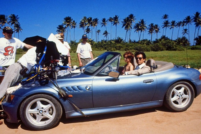 A BMW Z3 indította el a bajorok egyeduralmát a Bond filmekben, szerencsére a lendület csak három filmen keresztül tartott, és visszatért az Aston Martin