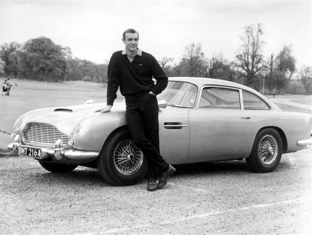Sean Connery és az Aston Martin DB5, sokak szerint ez az igazi James Bond páros, és ezen semmi sem változtathat