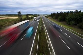Ittasan, forgalommal szemben az M7-esen