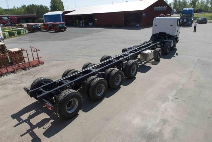 A betonpumpa szállításához készült alváz a Scania által eddig gyártott leghosszabb alváz