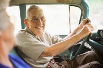 Öreg autóik miatt sérülnek meg az idősek