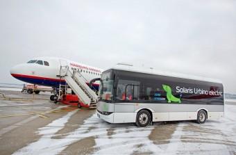 Elektromos buszt teszteltek a repülőtéren