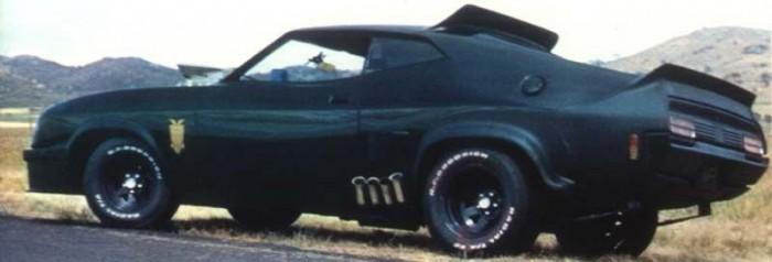 Nem tud semmi különöset, ordas, magányos farkas megjelenése mégis a világégések első számú túlélőjárműve a fekete Ford