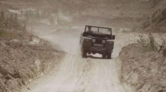 Világvége Land Roverrel