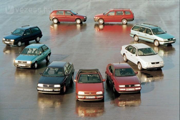 1993-as a felvétel. Még hiányzik az egyterű, amivel a Renault 1984 óta egyre több családot hódított meg