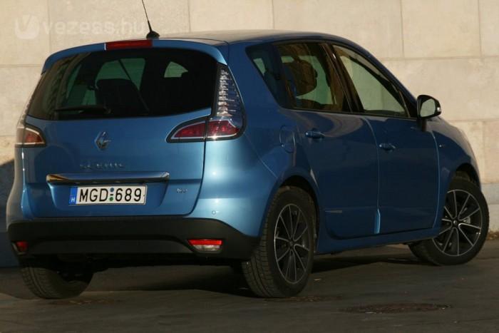 Elsőre a Scénicben nem vált be a feltöltés és a méretcsökkentés a Renault-nak. Az 1,4 TCe eltűnt, a franciák újra nekifutnak egy még kisebb motorral
