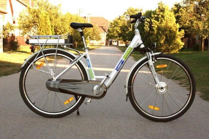A Leier elektromos kerékpárja kiküszöböli a szembeszelet, az emelkedőt és a kort kerékpározás közben