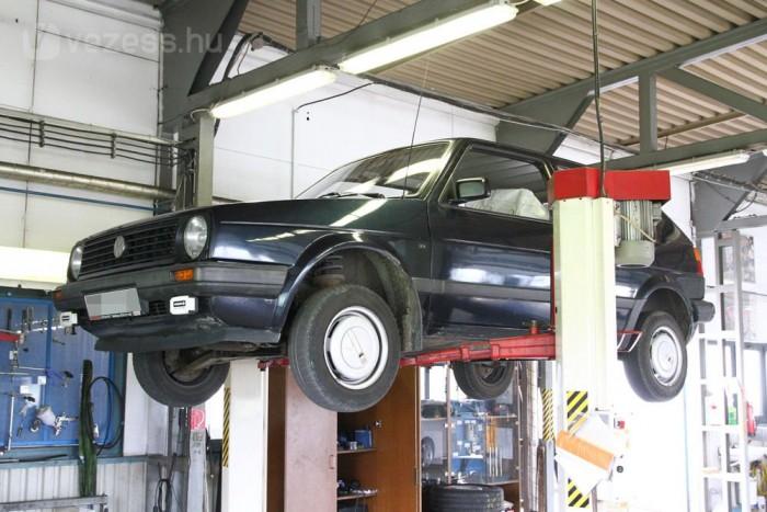 A márkaszervizek fix áras szervizcsomagokkal próbálják megfogni az öregebb autók tulajdonosait is